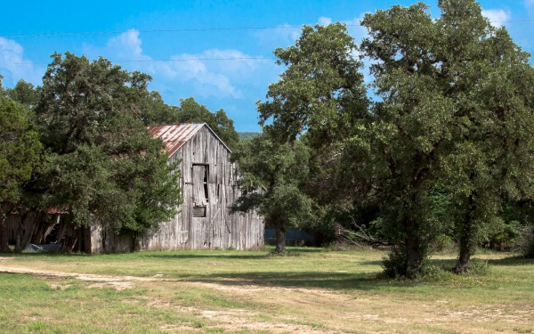 """BLANCO VALLEY BARN"" - Dale Wood"